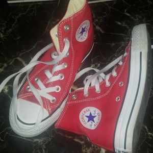 Red women's size 5 converse